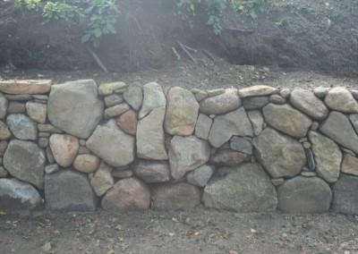 Stendige i Kjellerup - Detaljer og sammenspil mellem store og mindre sten ,der giver en god dynamik